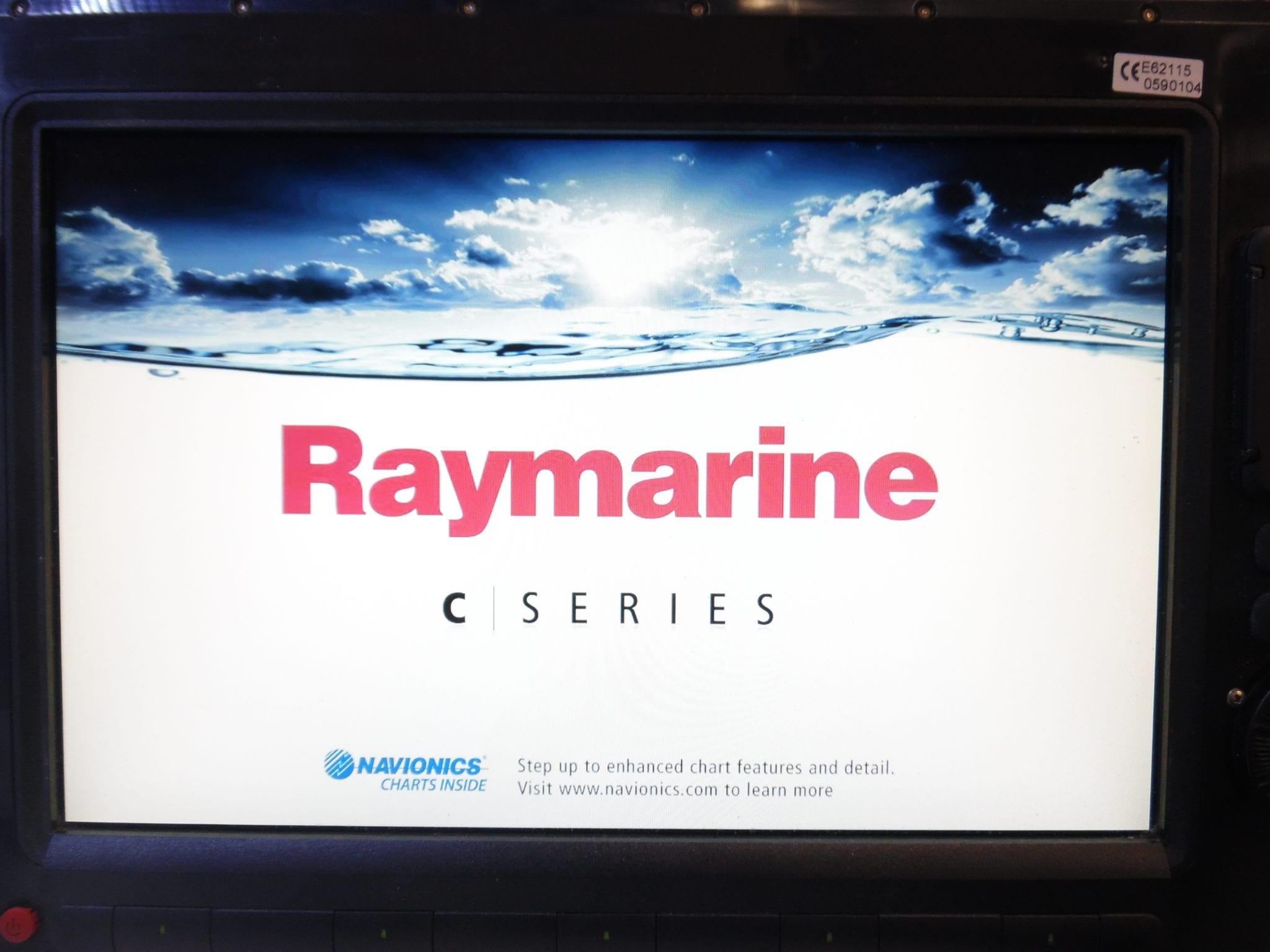 Raymarine C140w Us Coastal Maps Edition Internal Gps 14 Display Tested