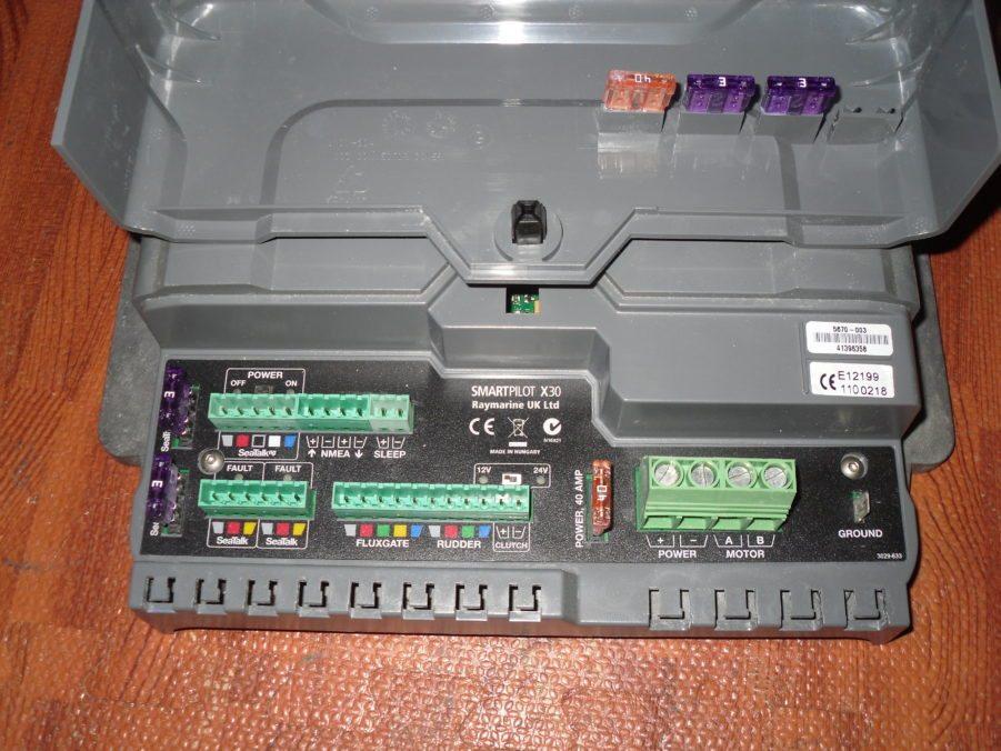 Marine Electronics Repair : Raymarine spx autopilot smartpilot for parts repair