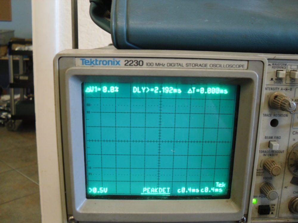 Tektronix Analog Oscilloscope : Tektronix analog oscilloscope powers on max marine