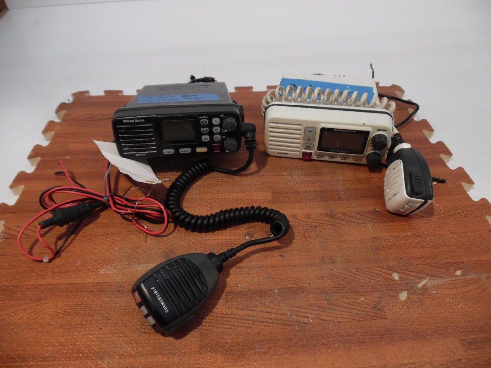 West Marine VHF 550B 580 LOT OF 2 VHF Radios - PARTS ONLY - NO