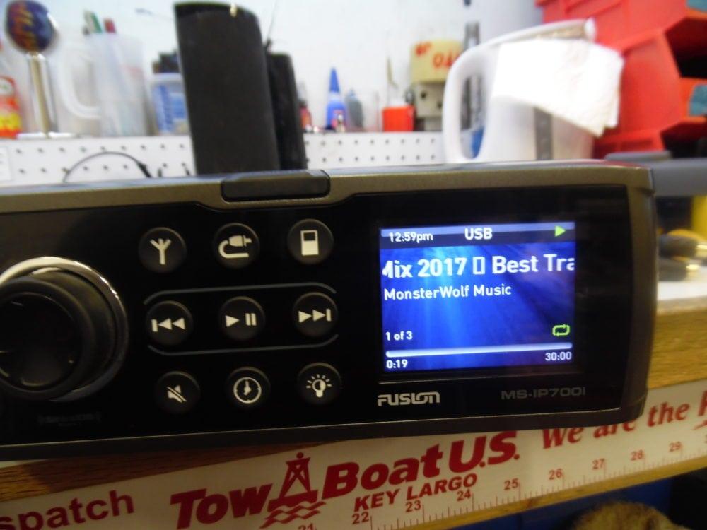 fusion 700 marine stereo manual