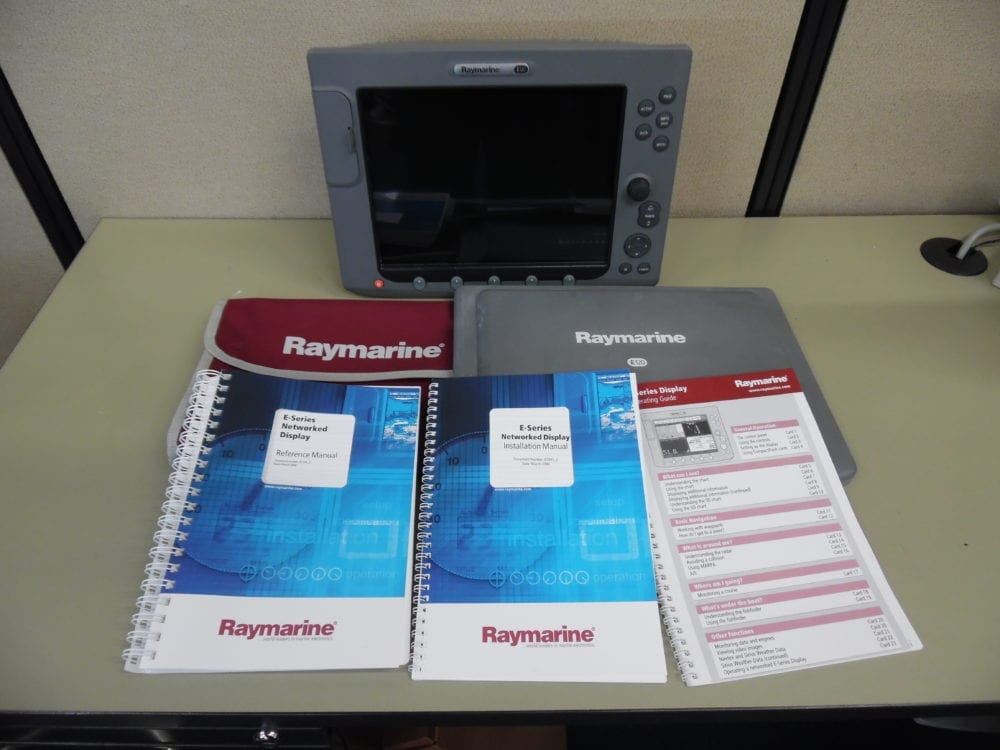 Raymarine E120 Classic MFD Display + Suncover + Manuals 90 Day Warr Great  Cond