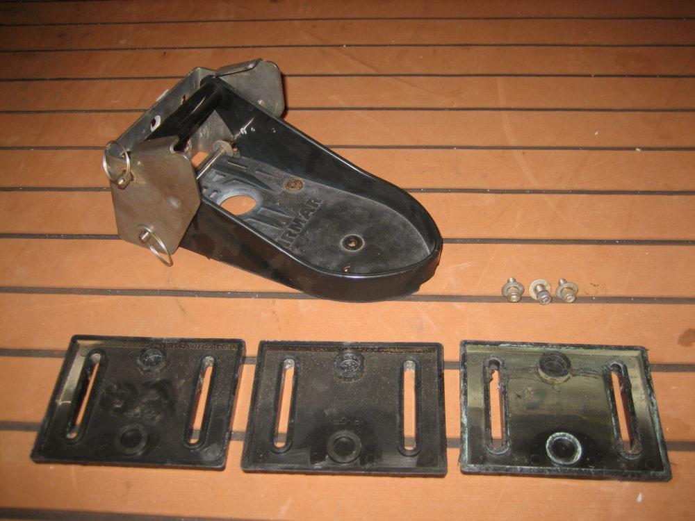 Airmar TM260 TM265 Transom Mount Transducer Mounting Bracket Hardware Kit